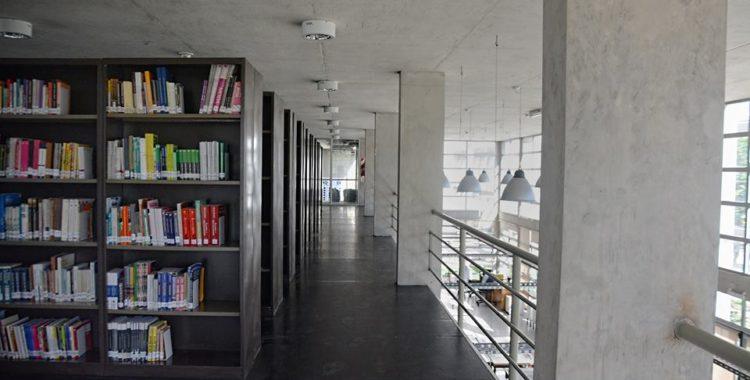 Consulte a la biblioteca con Meet